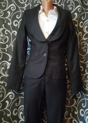 Стильный деловой костюм весенний