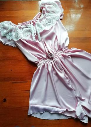 Нежно-розовый шёлковый ромпер конфетка со шнуровкой и кружевом
