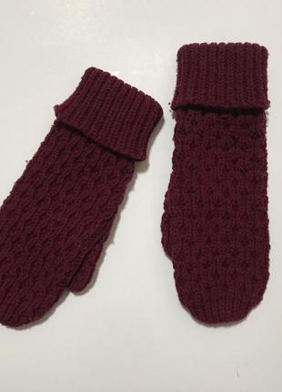 Зимние вязаные теплые перчатки варежки с отворотом вязка косами бордо марсала