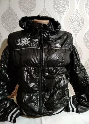 Легкая короткая куртка adidas