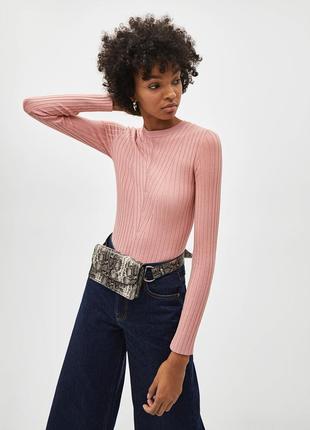 Нежно-розовый гольф свитер топ bershka