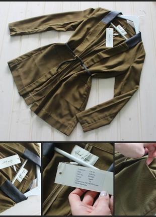 And less.шикарный пиджак.цвет хаки.вствка эко-кожи.