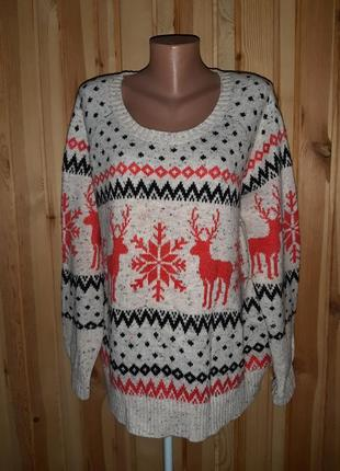 Красивый новогодний свитер с оленями