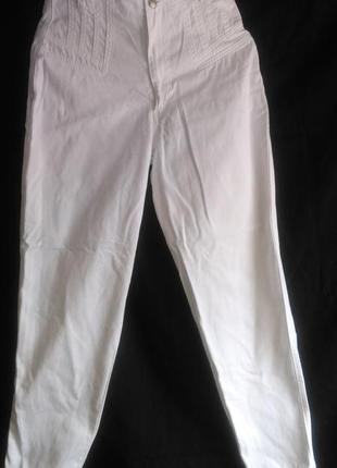 Очень хорошие с высокой талией белые джинсы2 фото
