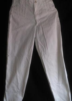 Очень хорошие с высокой талией белые джинсы1 фото