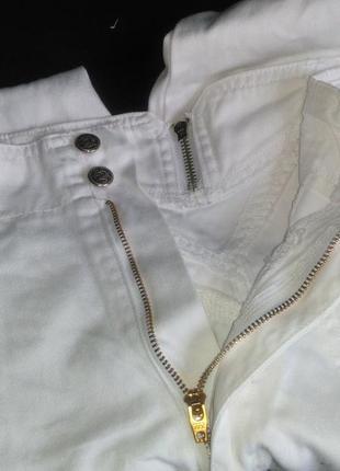 Очень хорошие с высокой талией белые джинсы4 фото