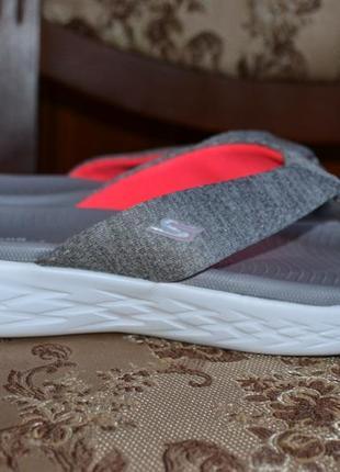 Skechers 38-39р шлепанцы, вьетнамки сандалии  2018г.в