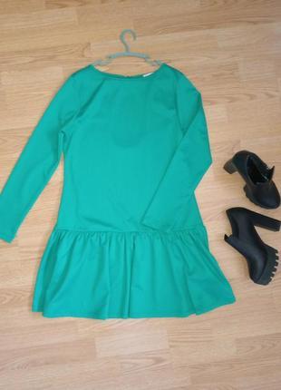 Яркое платье, платье с вырезом на спине, платье с длинным рукавом, зеленое платье