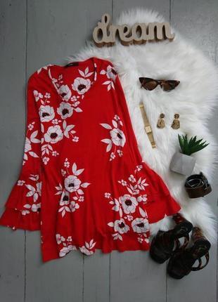 Актуальная трикотажная блуза в крупные цветы с расклешенными рукавами №114