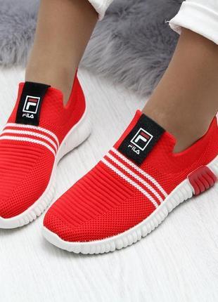 Мягкие текстильные красные женские кроссовки5 фото