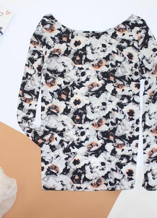 Нежнейшая блуза в цветы с запахом на спине