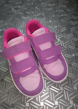 Кроссовки для девочки adidas 28р