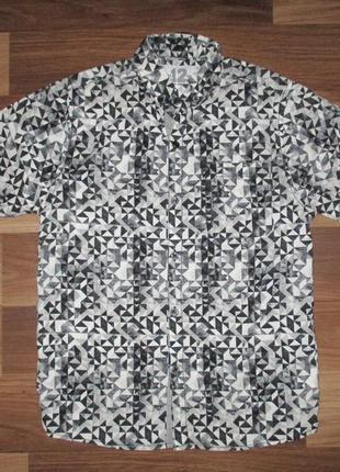 Клевая котоновая рубашечка фирмы некст на 8 лет