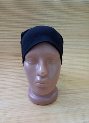 Чёрная шапочка трикотаж