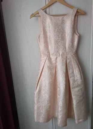 Очень красивое дорогое платье c открытой спинкой от studio75