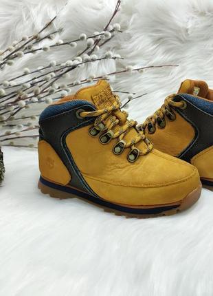 Классные нубуковые ботиночки timberland ( 26 размер )