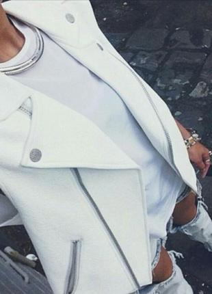 Брендовая бежевая кожаная жилетка косуха на молнии с карманами h&m этикетка