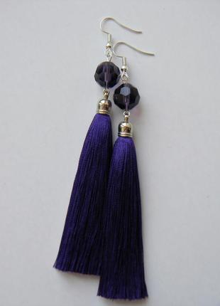 Тёмно-фиолетовые серёжки кисточки с стеклянными камнями