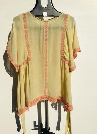 Блуза zara trafaluc collection на ярлыку размер м