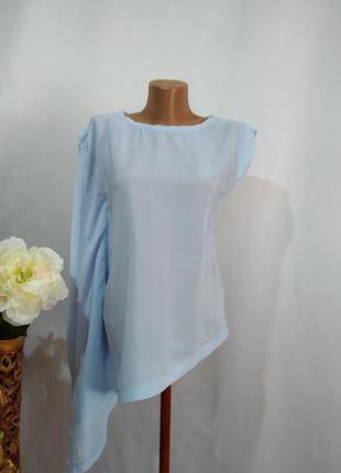 Нежная шелковая блузка с декором