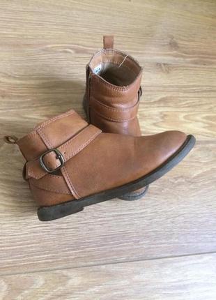Carter's, продам демисезонные ботинки