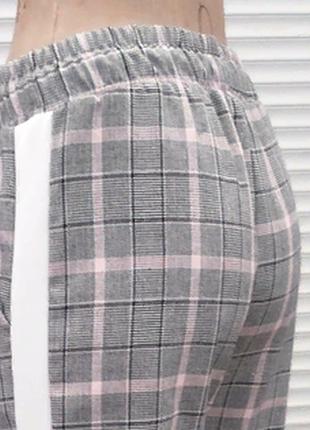 Стильные ,повседневные серые брюки в клетку с лампасами ,англ.длина 3 расцветки  размеры6 фото