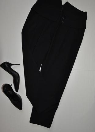 Стильные укороченные черные брюки oggi