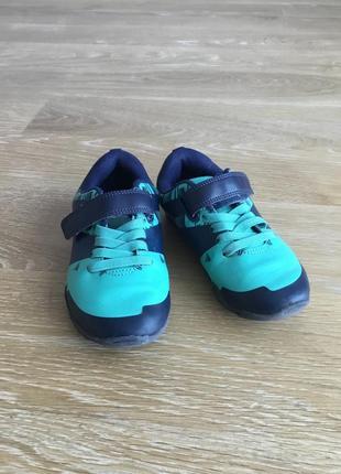 Кросівки hm