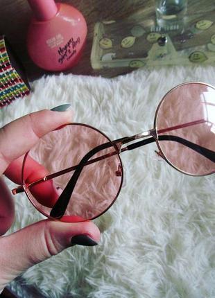 Круглые розовые полупрозрачные очки