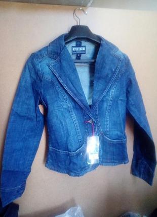Джинсовый пиджак,размеры с м л хл