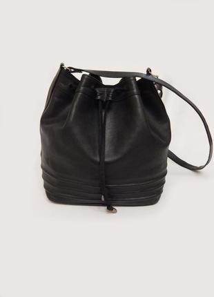 bbabdd984d45 Трендовая кожаная сумка мешок бочонок на длинной ручке натуральная кожа