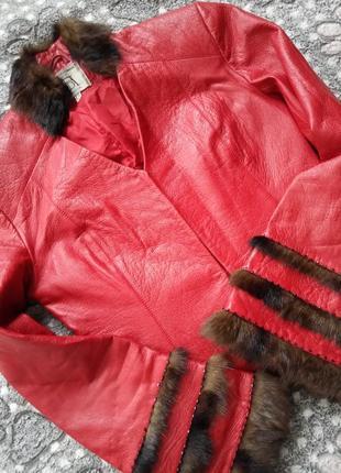 Супер оригинальная кожаная куртка с норкой