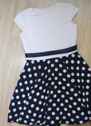 Лёгкое платье с коротким рукавом под пояс в горошок