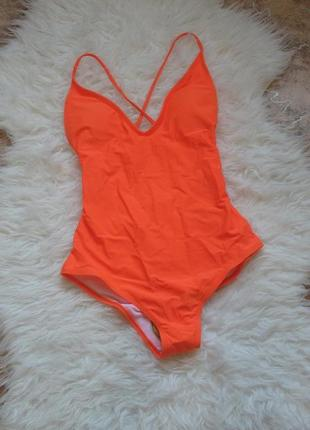 Новый оранжевый купальник с открытой спинкой