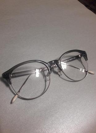 Серые очки оправа с металлическими дужками