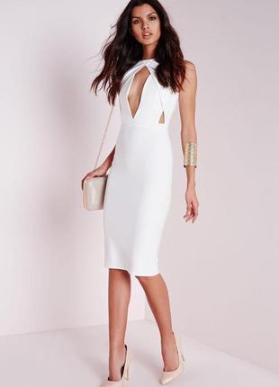 Изысканное белое платье с вырезами от missguided