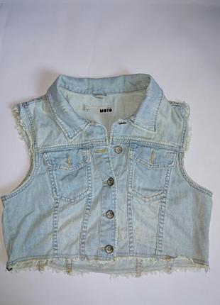 Короткий джинсовый жилет,р-р uk 12,topshop