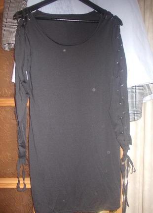 В наличии модное  платье миди по фигуре со шнуровкой на рукавах, фирма h&m