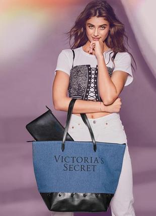 Большая джинсовая сумка + косметичка от victoria's secret
