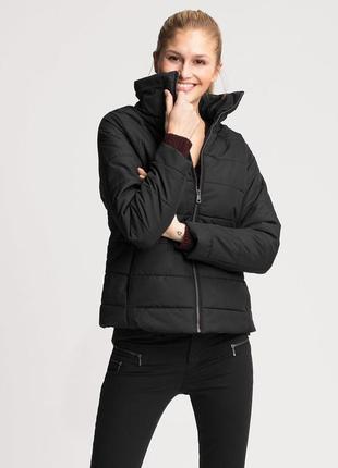 Новая теплая зимняя курточка с воротником-стойкой