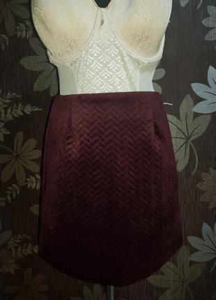 Стильна велюрова юбка new look