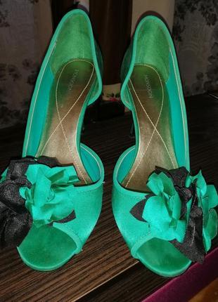 Туфли нарядные атласные