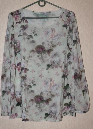 Блузка очень живописная,нежная.вискозная