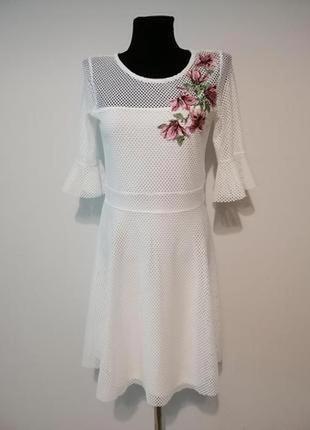 Интересное /нарядное платье с вышивкой