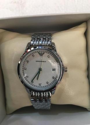 Часы в подарочной коробочке2 фото