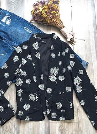 Красивенный пиджак m&co