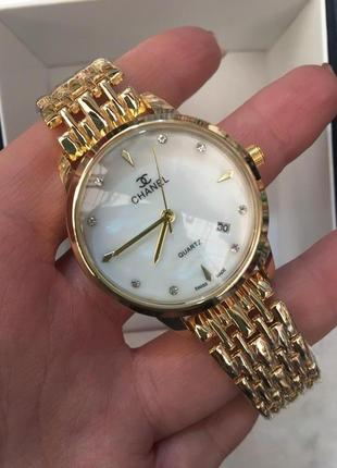 Красивые часы в коробочке