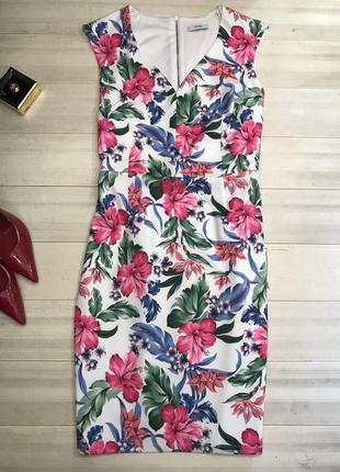 Платье в цветочный принт 18uk