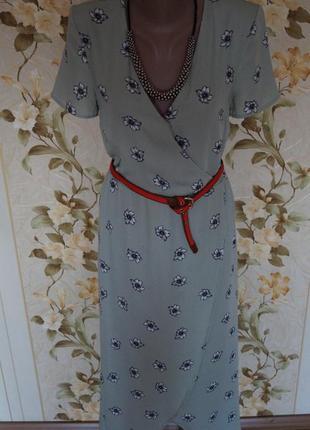 Мятное платье в цветах