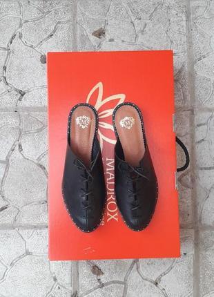 Хит!!! мюли шлепки сланцы кожаные подошва с металлическими вставками шнурок